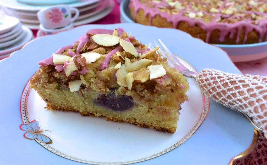 Vegan Cherry Crumble Cake