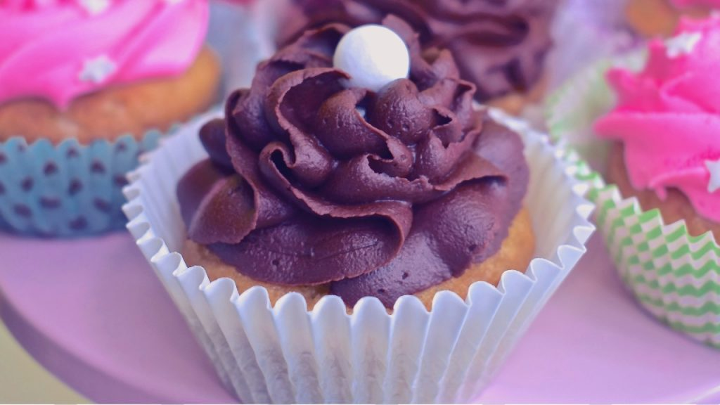 How to Make One Bowl Vegan Cupcakes