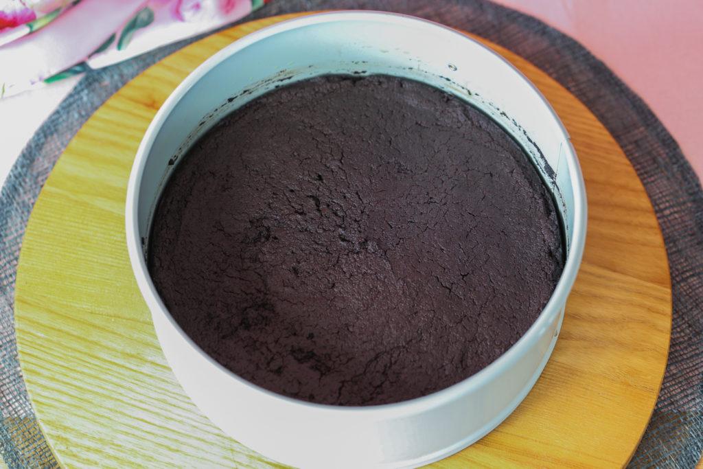 Step Flourless Chocolate ake by Sara kidd